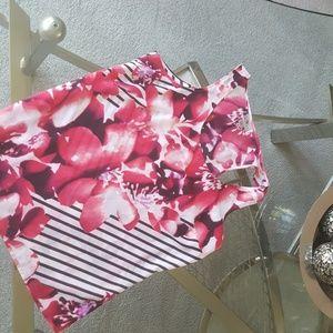 Worthington sweet pink flowersw/blck stripe tank